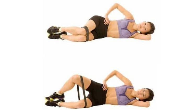 Exercice clamshells avec élastique
