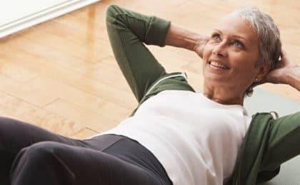 Exercice abdominaux pour les femmes de 50 ans