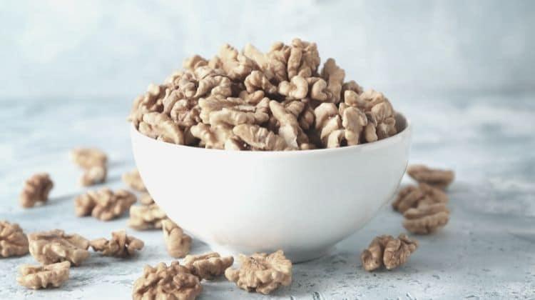 Les noix font-elles grossir ? Découvrez la réponse