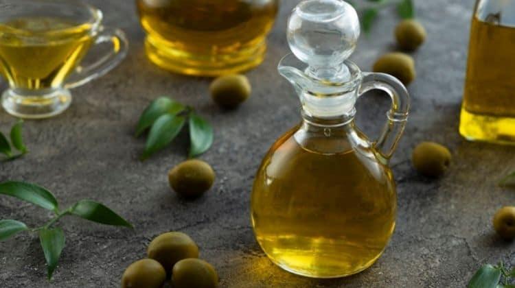L'huile d'olive pour grossir des fessiers : Est-ce que ça marche ?
