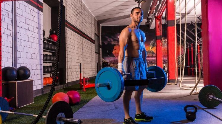 Le shrug en muscu : Comment l'intégrer à votre routine ?
